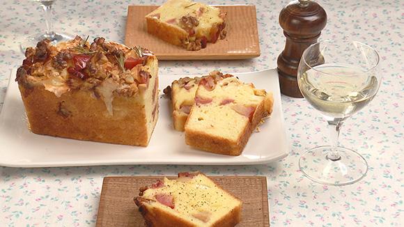 チーズとりんごのケーク サレ